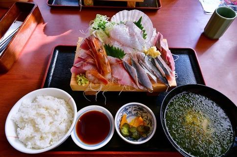 2018-10-28  Resized  川島の相馬(魚師のお勧め海鮮盛り)‥.jpg